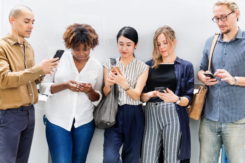 People | Mobile Phones
